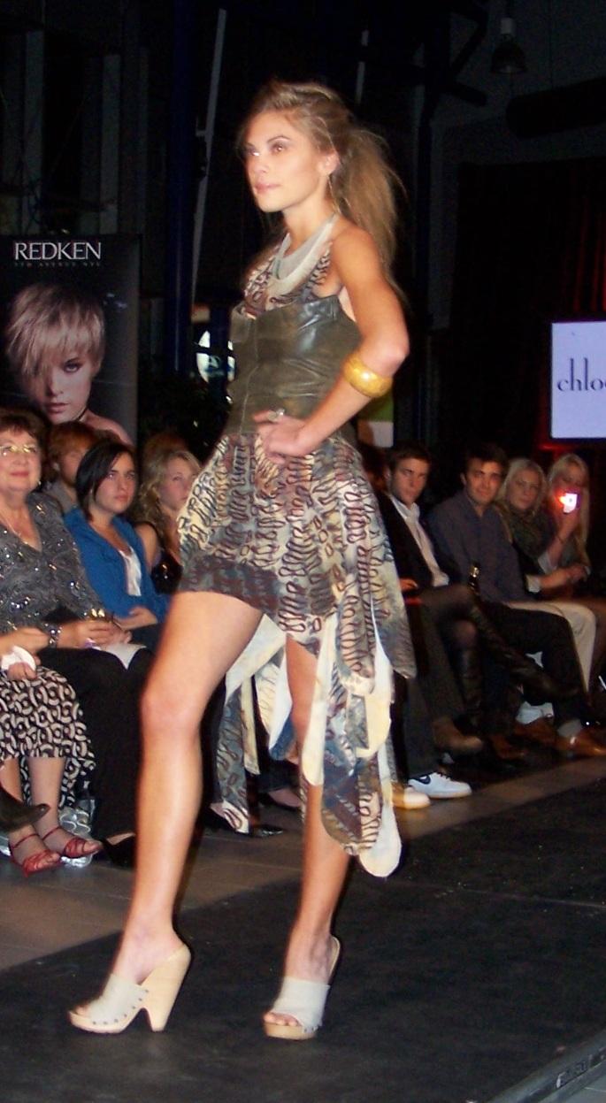 fashionablepeople.files.wordpress.com_2009_10_100_6270