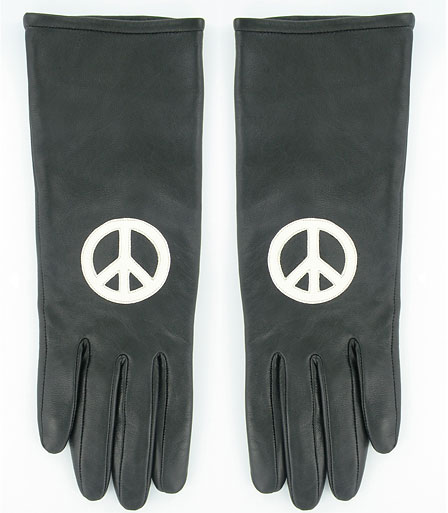 fashionablepeople.files.wordpress.com_2009_10_0120-peace-gloves_fa