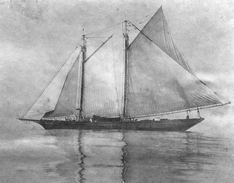 storyimg2_121709_schooner