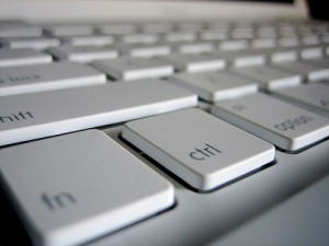 eastcoastbychoice.ca_wp-content_uploads_2010_01_alcomm_macbook-keyboard-300x225