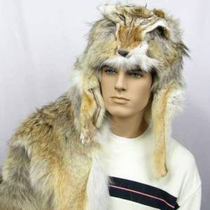 fashionablepeople.files.wordpress.com_2010_04_coyote-hat