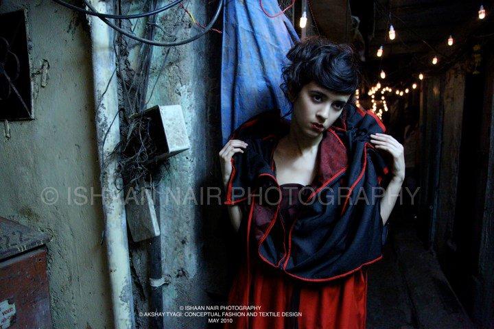 fashionablepeople.files.wordpress.com_2010_06_tyagi_redcoat