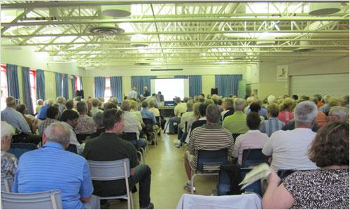 www.bedfordbeacon.com_wp-content_uploads_2010_06_crowd-lg