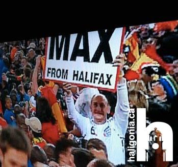 storyimg7_061110_max_from_halifax_sign_dad_loves-ya