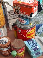 1.bp.blogspot.com__-dvsPmEluA0_TIvfF1zg-JI_AAAAAAAAAwM_Vs7-dYlAzfo_s200_vintage+tins