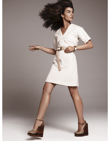 fashionablepeople.files.wordpress.com_2010_11_hbz-crystal-renn-1210-9-de-58183395