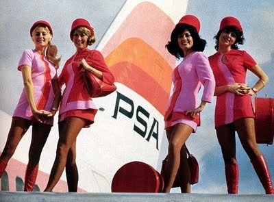 fashionablepeople.files.wordpress.com_2011_01_flight-attendants-braniff