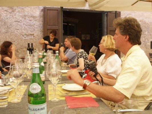 4.bp.blogspot.com_-JWBGT0jbbcg_TXQjJutDP6I_AAAAAAAAC80_Pl28Zk_fXnI_s1600_tuscany+Spello+Wine+Tasting
