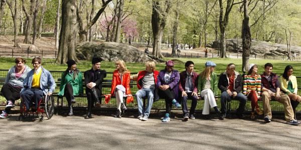 4.bp.blogspot.com_-uelo6FqdlmM_Td0HRRu_NhI_AAAAAAAADv0_ymD-7twmeiI_s1600_glee+benches