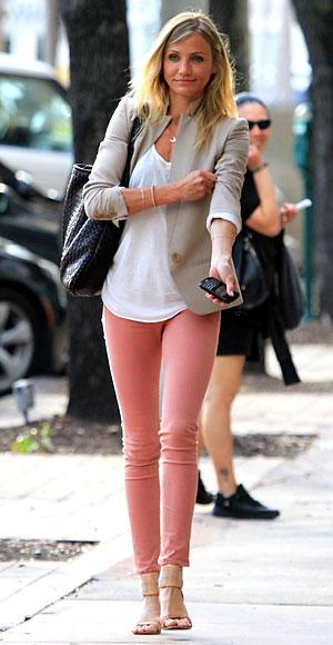 fashionablepeople.files.wordpress.com_2011_06_cameron