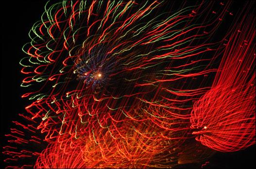 www.bedfordbeacon.com_wp-content_uploads_2011_07_fireworks2
