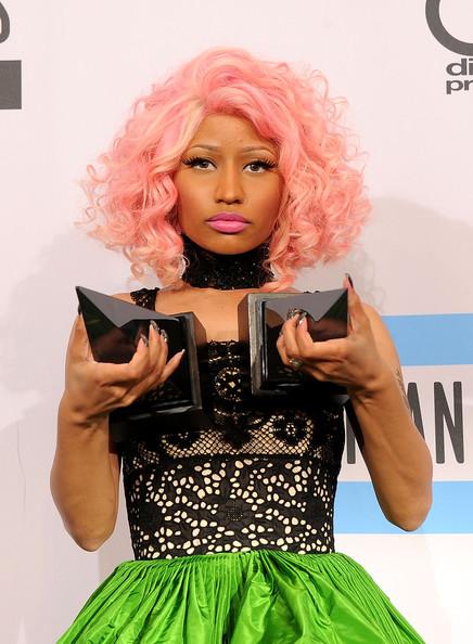 fashionablethings.com_wp-content_uploads_2011_11_nicki-minaj-2011+American+Music+Awards+Press+Room+pamtajFvwaTl-Copy