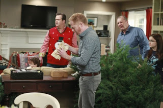 Modern Family: Ho, Ho, Hurry Up!