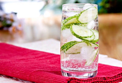 12 ways to make your water less boring a lil bit sassy… (recipe below)