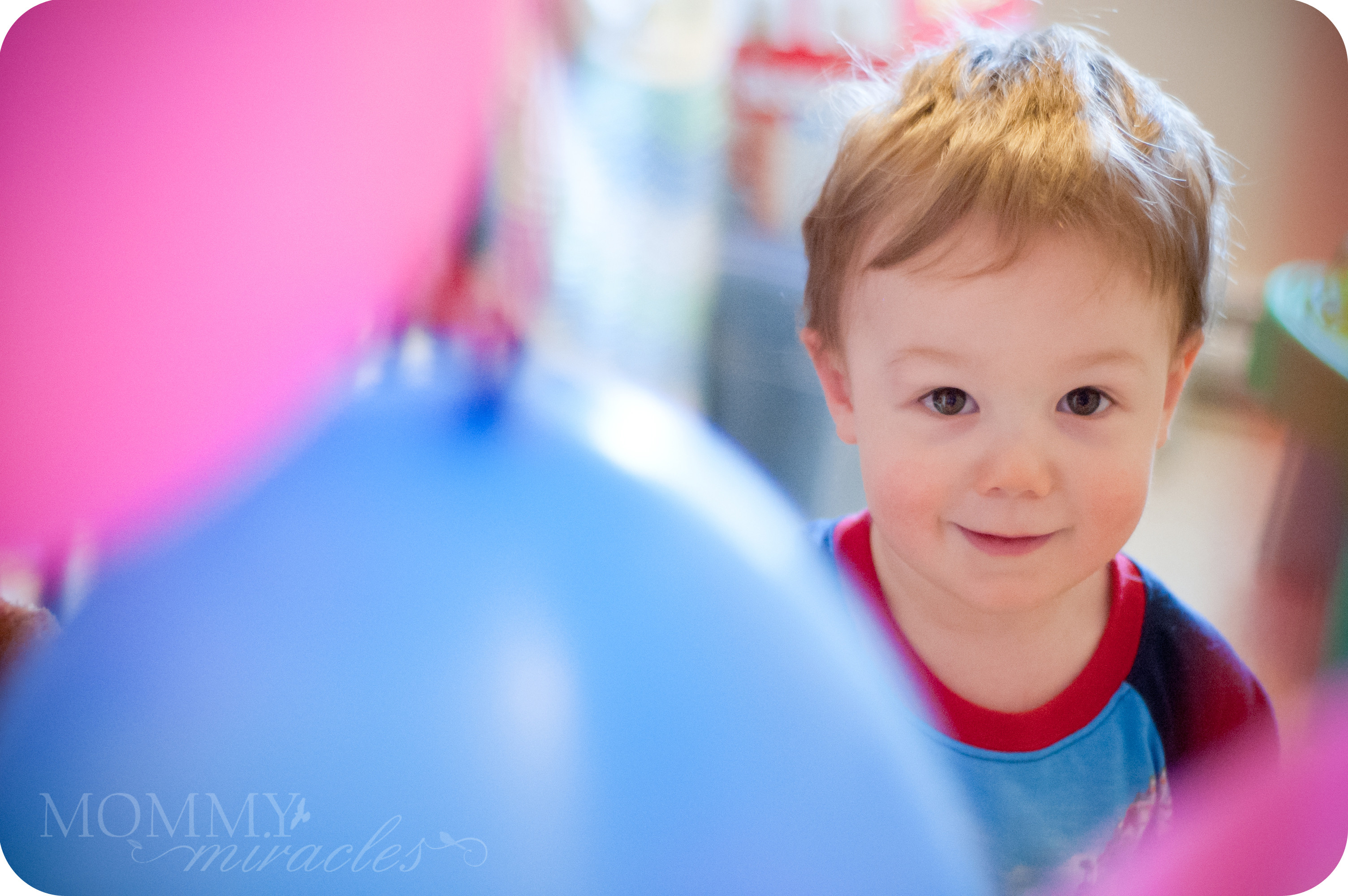 mommy-miracles.com_wp-content_uploads_2012_03_Birthday-Boy-in-Balloons