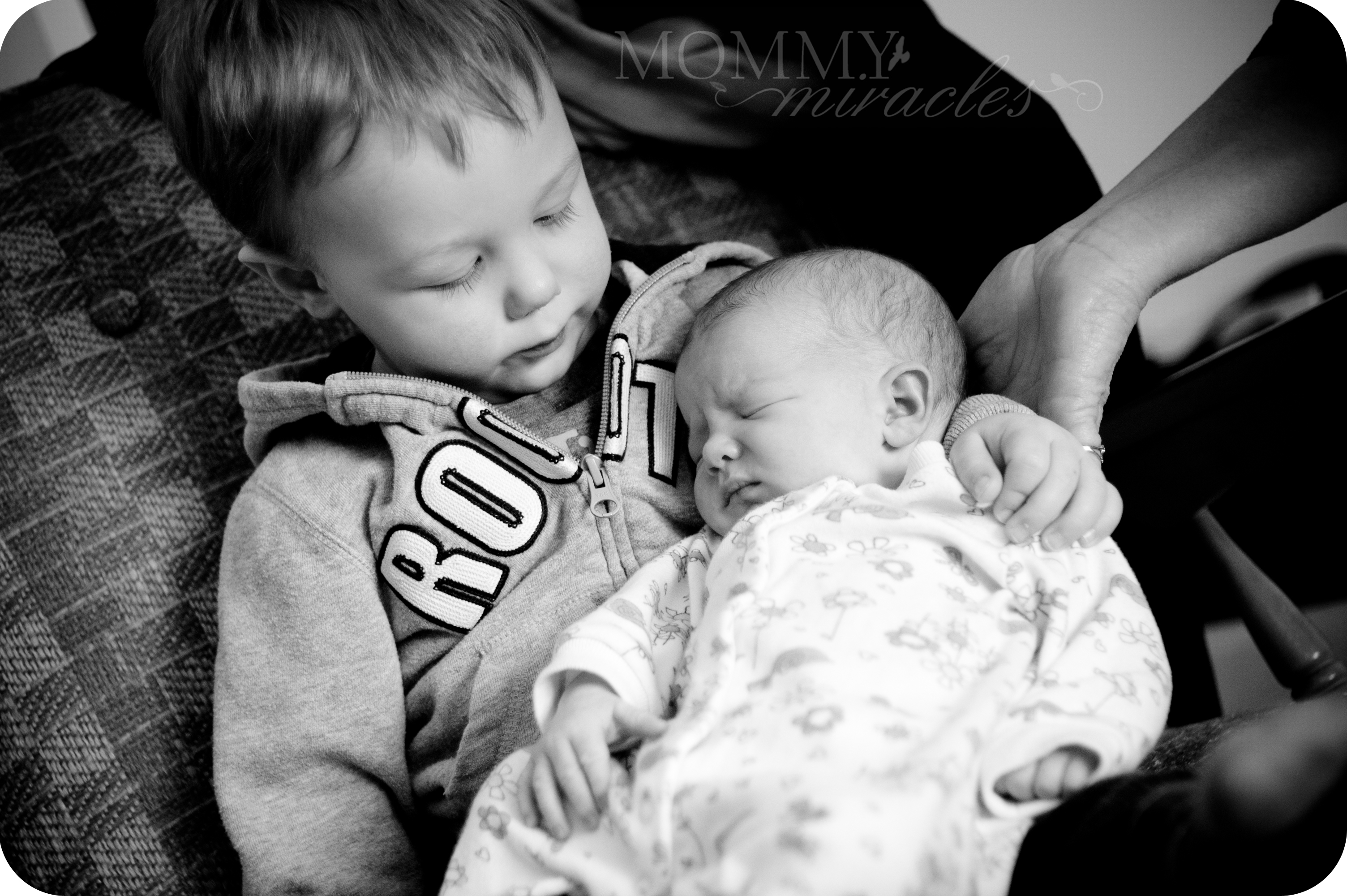 mommy-miracles.com_wp-content_uploads_2012_03_Cameron-and-Baby-Ella
