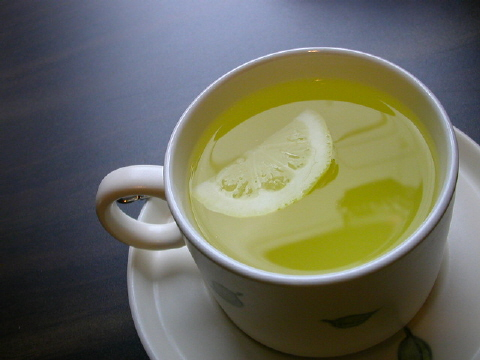 Why You Should Start the Day w/ Hot Water and Lemon