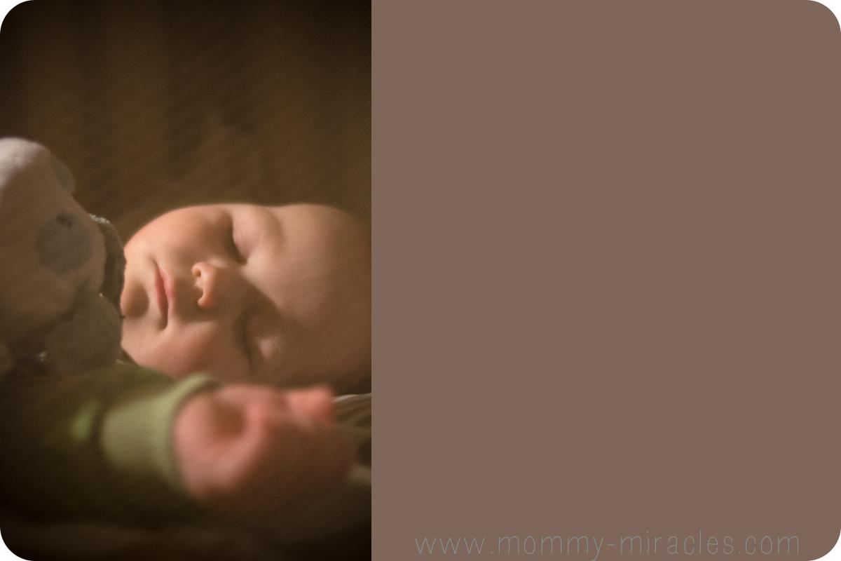 i0.wp.com_mommy-miracles.com_wp-content_uploads_2013_02_GavSleeping