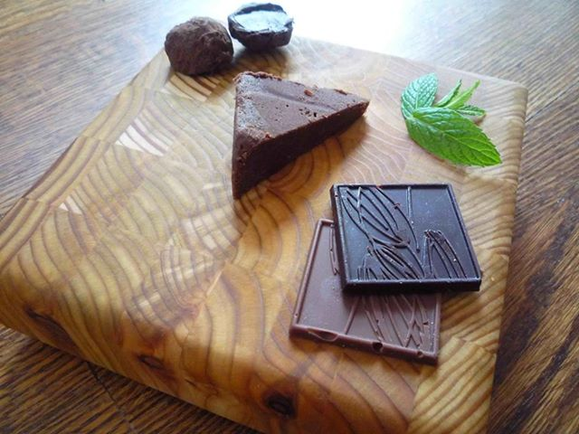 fashionablethings.com_wp-content_uploads_2013_06_Chocolate-Board