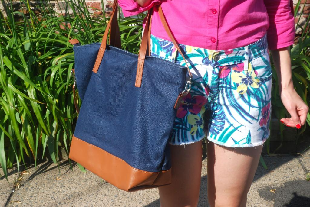 printed shorts, gap, old navy, nail polish, tote bags, shorts, pink, mango, tropical print