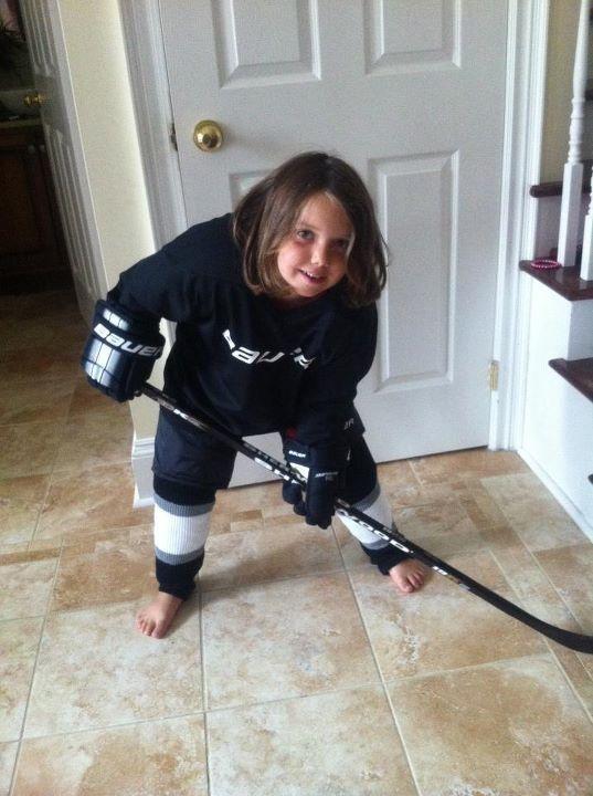 mommyjuiced.com_wp-content_uploads_2013_12_hockeygirl4