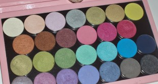 4.bp.blogspot.com_-DF9frScOBnI_U1QERGHiBdI_AAAAAAAAKB8_z16CxuqYX2I_s1600_P1010174+-+Annabelle+Custom+Quad+eyeshadows
