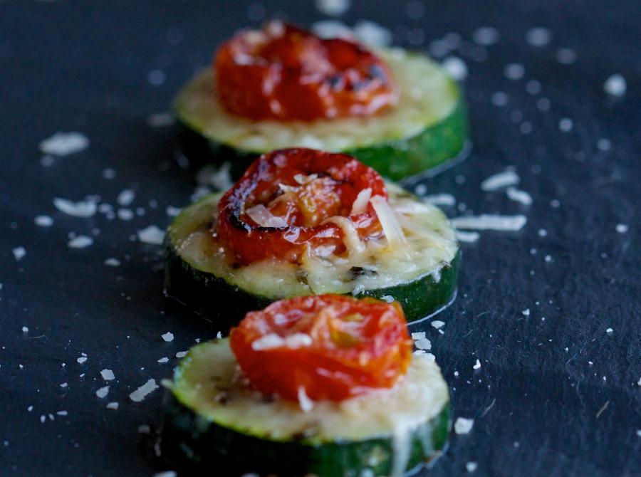 zucchini tomato pizza rounds