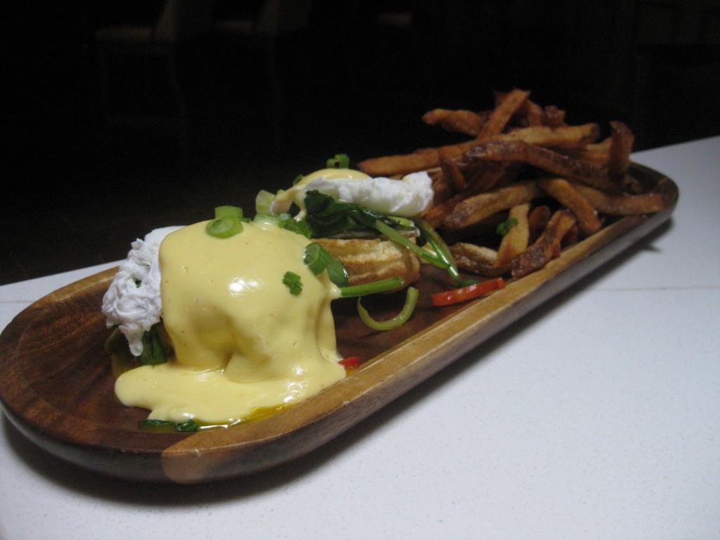 Eggs Benny w/ wilted spinach, garlic & Brie