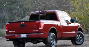 2014-Nissan-Titan-Rear-View