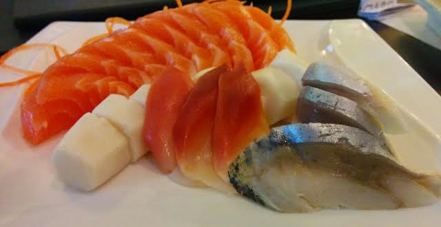 www.eat-this-town.com_wp-content_uploads_2015_02_sashimi-plate-2