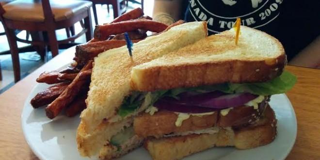 www.eat-this-town.com_wp-content_uploads_2015_04_Hali-Deli-Triple-Decker-plate-2