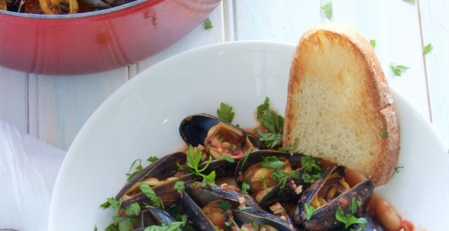theculinarychase.com_wp-content_uploads_2015_05_Mussels-Italian-Style