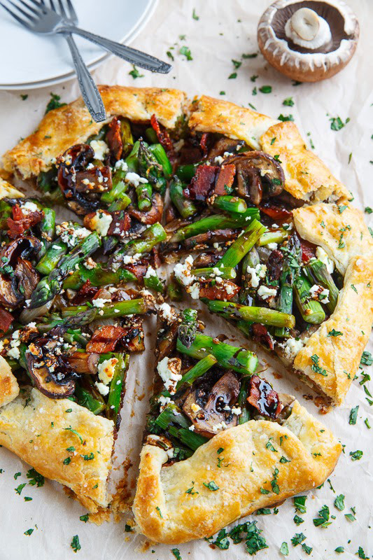 1a_Asparagus and Mushroom Galette with Bacon, Goat Cheese and Balsamic Reduction 800 2217