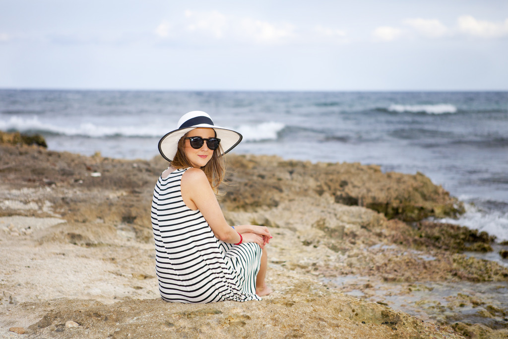 striped dress, what to wear to the beach, beach dresses