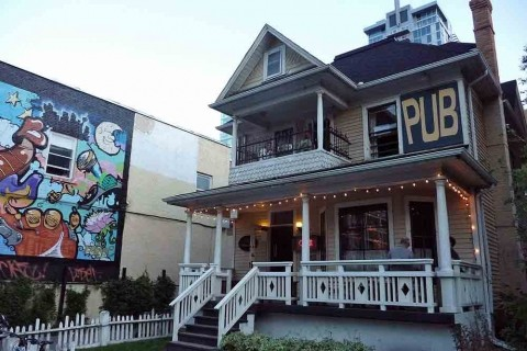 """Image from Avenue Magazine: """"5 Best Pubs in Calgary"""" (http://www.avenuecalgary.com/Restaurants-Food/5-Best-Pubs-in-Calgary)"""