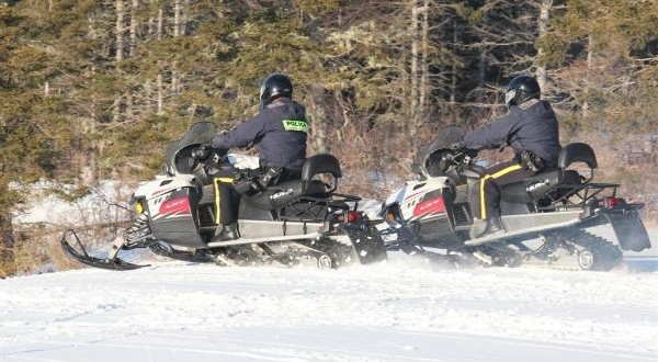 RCMP_snowmobiling