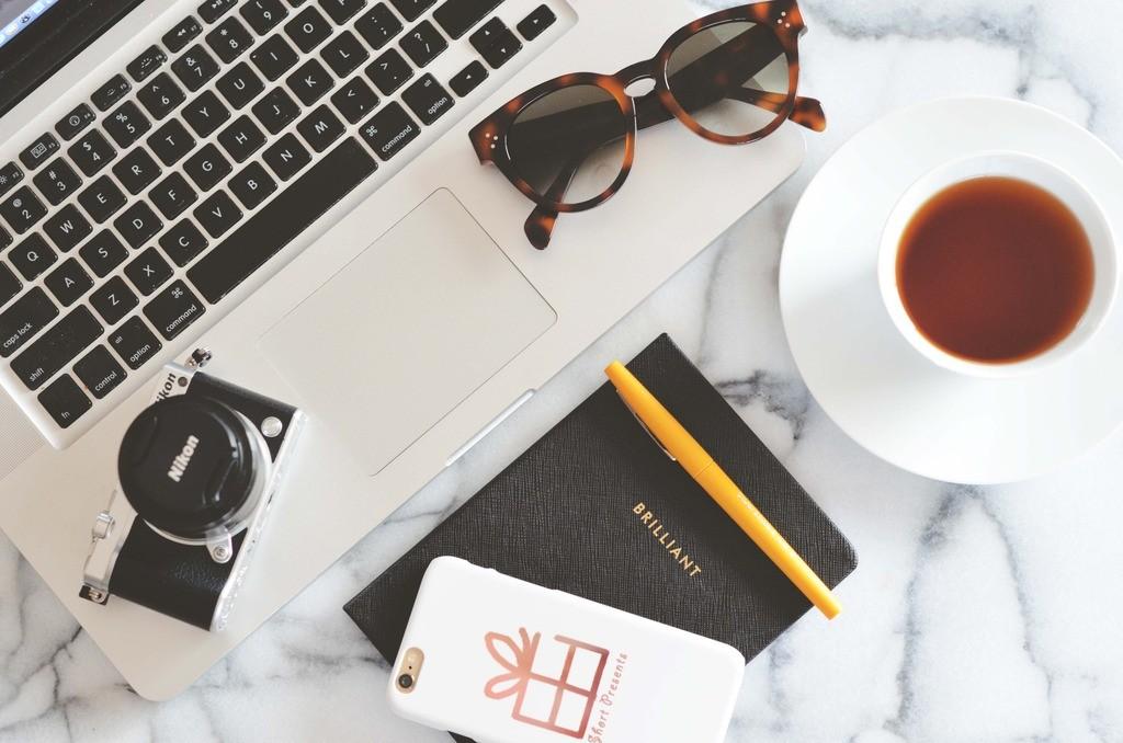 Tech blogger, Fashion Blogger, Full time Canadian Blogger, Smart Buy glasses, Winners