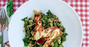 fried-halloumi-with-salad