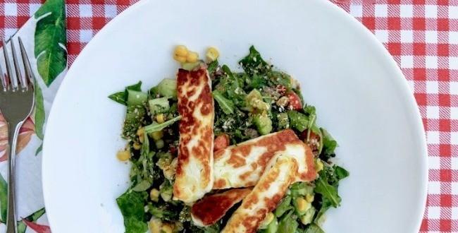 fried-halloumi-with-salad