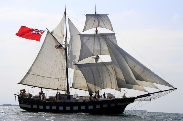 Shipspotting 101: Sailing vessels