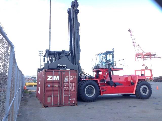 Halterm Upgrades Yard Equipment