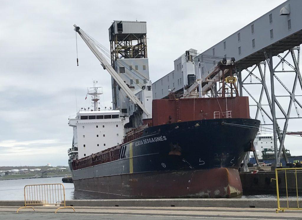 Acadia Desgagnés at pier 25