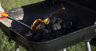 Lighting Barbecue
