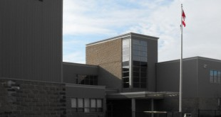 1200px-LockviewHighSchool